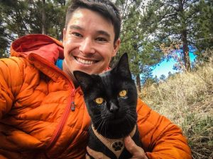 Кіт-мандрівник: з господарем у гори, в пустелю та на каяки